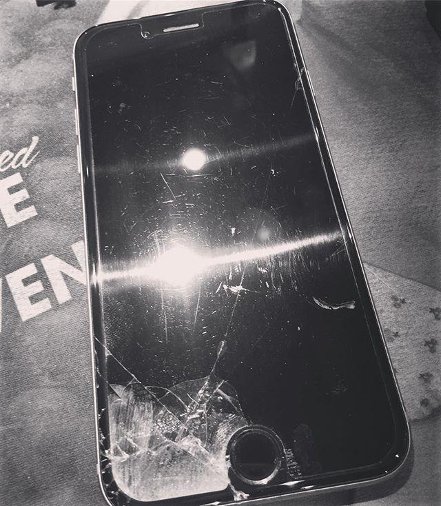 携帯データ吹っ飛びました…バックアップは一年前…ご迷惑をおかけします