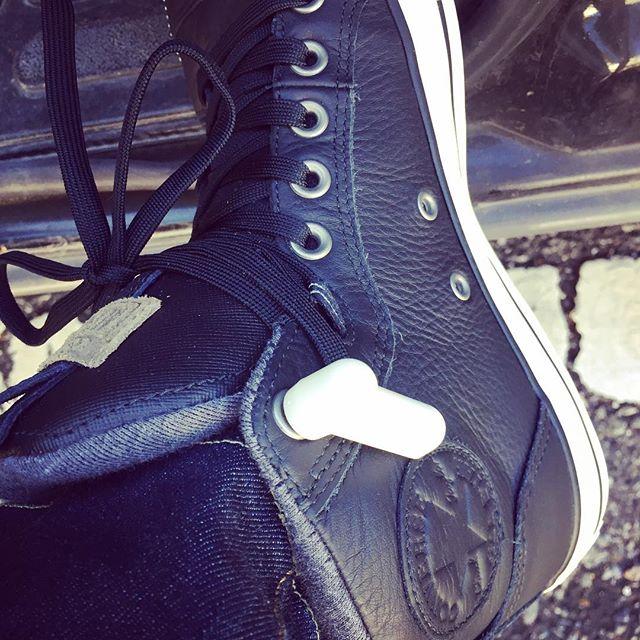ベガスで買った靴️盗難防止タグ付きっぱなしですがま、履いちゃいますけどねw#converse