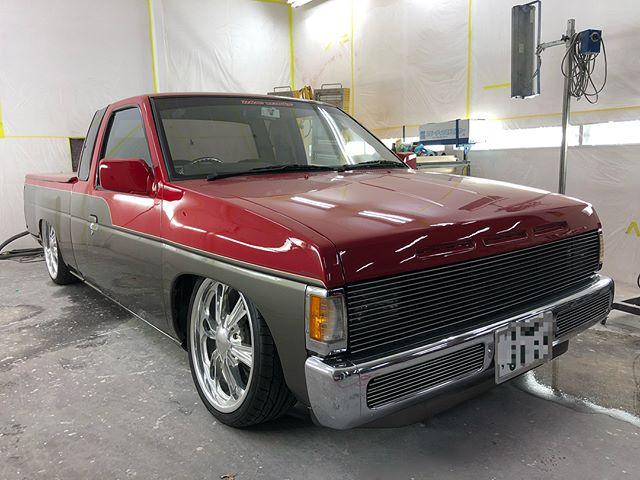 5年くらい前にオールペンさせて頂いたD21オーナー様のお手入れがとても良いのでグッドコンディションをキープしてます!今回はドアミラー交換しました!まだまだ進化してますw塗った車を大事にしてもらえると本当嬉しいですねwありがとうございました!#datsun #d21 #truckin #boyds #budnik #fbscustomtape #fbs #trinity #blueworks #千葉北 #dmc