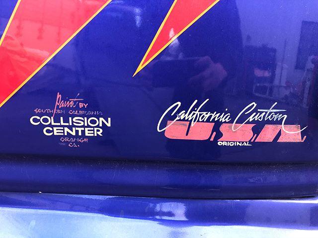 長年 倉庫として使ってたアストロ 今日でサヨナラですw自分で塗った訳でもないのですがちょっと寂しいw立派なガードレールにでもなるんだよw#断捨離 #アストロ #chevrolet #astro #california #90年代 #boyds #collisioncenter #californiacustom #californiacustomusa